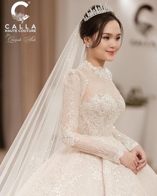 Sau pha makeup lỗi trong đám hỏi, Quỳnh Anh đã lấy lại phong độ, họa mặt xinh tươi chuẩn công chúa rồi!-7