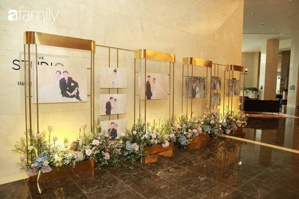 Chiếc váy trăm triệu của Quỳnh Anh được đặt giữa lễ đường, chiêm ngưỡng không gian sảnh cưới đẹp như cổ tích trước giờ G-5