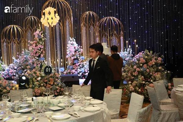 Chiếc váy trăm triệu của Quỳnh Anh được đặt giữa lễ đường, chiêm ngưỡng không gian sảnh cưới đẹp như cổ tích trước giờ G-11