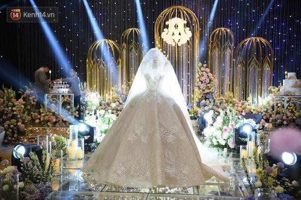 Duy Mạnh - Quỳnh Anh bật khóc trong đám cưới, bố cô dâu xúc động nhắn nhủ: Dẫu gian nan mong 2 con vẫn bên nhau-28