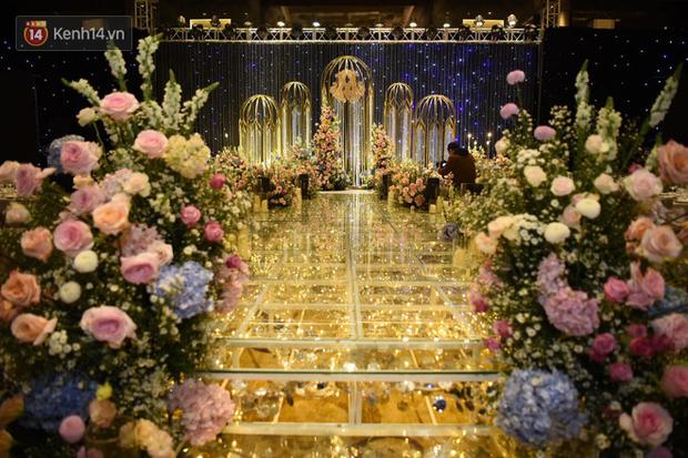 Duy Mạnh - Quỳnh Anh bật khóc trong đám cưới, bố cô dâu xúc động nhắn nhủ: Dẫu gian nan mong 2 con vẫn bên nhau-26
