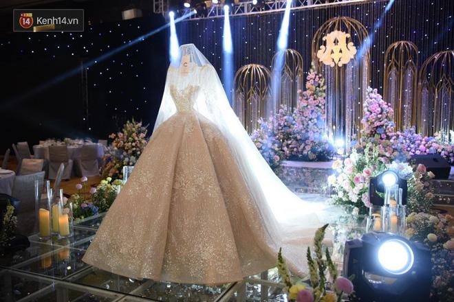 Duy Mạnh - Quỳnh Anh bật khóc trong đám cưới, bố cô dâu xúc động nhắn nhủ: Dẫu gian nan mong 2 con vẫn bên nhau-29