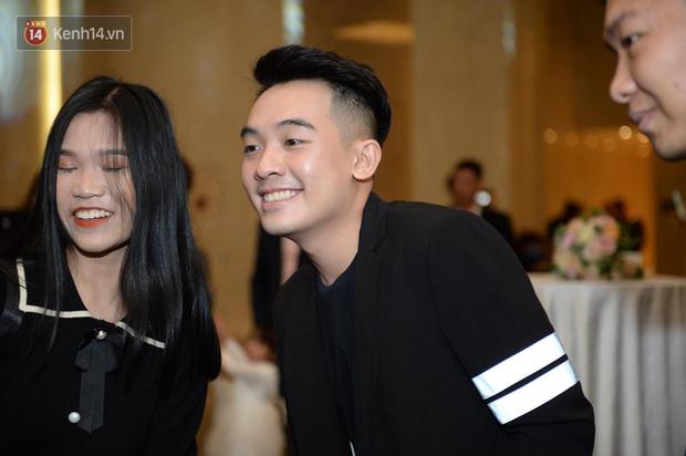 Duy Mạnh - Quỳnh Anh bật khóc trong đám cưới, bố cô dâu xúc động nhắn nhủ: Dẫu gian nan mong 2 con vẫn bên nhau-12