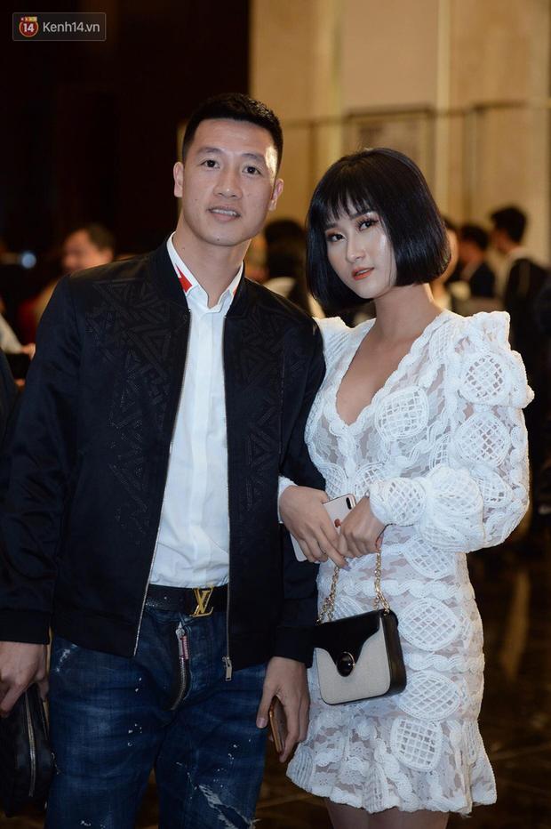 Duy Mạnh - Quỳnh Anh bật khóc trong đám cưới, bố cô dâu xúc động nhắn nhủ: Dẫu gian nan mong 2 con vẫn bên nhau-15