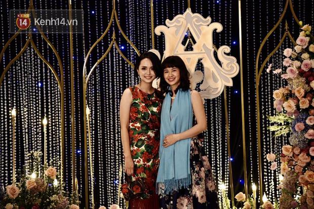 Duy Mạnh - Quỳnh Anh bật khóc trong đám cưới, bố cô dâu xúc động nhắn nhủ: Dẫu gian nan mong 2 con vẫn bên nhau-21