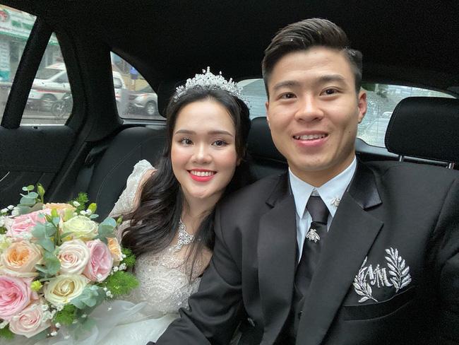 Quỳnh Anh diện đôi giày cưới đụng cả dàn sao Vbiz, trông thế mà cô dâu cũng gắt chẳng kém cạnh chú rể-1