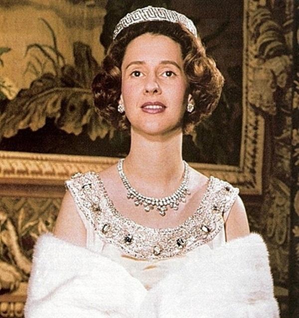 Cuộc hôn nhân của vua Bỉ và cô bé Lọ Lem: Không một mụn con sau 5 lần sảy thai, sóng gió bủa vây nhưng tình yêu chưa từng lung lay-3