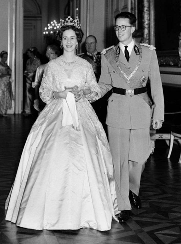 Cuộc hôn nhân của vua Bỉ và cô bé Lọ Lem: Không một mụn con sau 5 lần sảy thai, sóng gió bủa vây nhưng tình yêu chưa từng lung lay-4