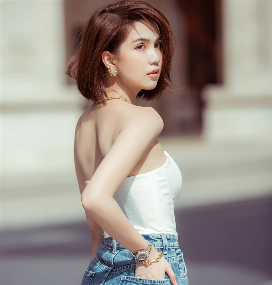 Trang phục đinh của sao Việt: Ngọc Trinh mê áo cúp ngực, U40 Lệ Quyên có sở thích táo bạo-3