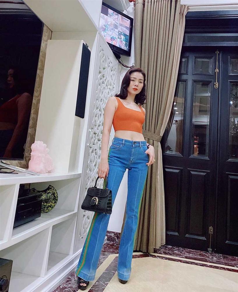 Trang phục đinh của sao Việt: Ngọc Trinh mê áo cúp ngực, U40 Lệ Quyên có sở thích táo bạo-6