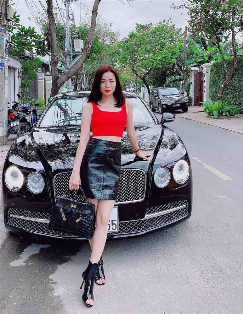 Trang phục đinh của sao Việt: Ngọc Trinh mê áo cúp ngực, U40 Lệ Quyên có sở thích táo bạo-8
