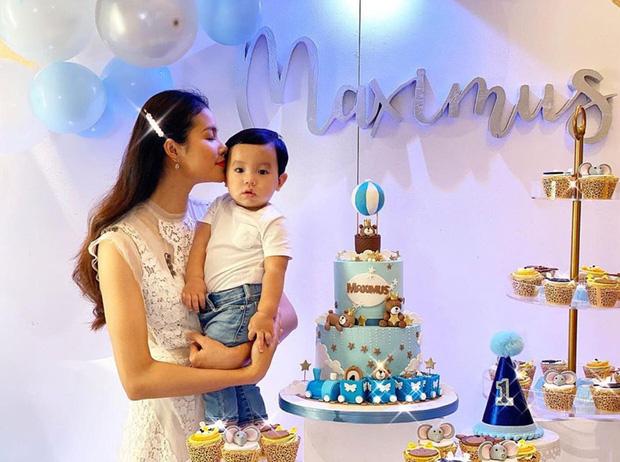 Được ông xã chiều chuộng chưa đủ, chỉ với một hành động nhỏ, Phạm Hương đã tiết lộ mối quan hệ đặc biệt với mẹ chồng!-3
