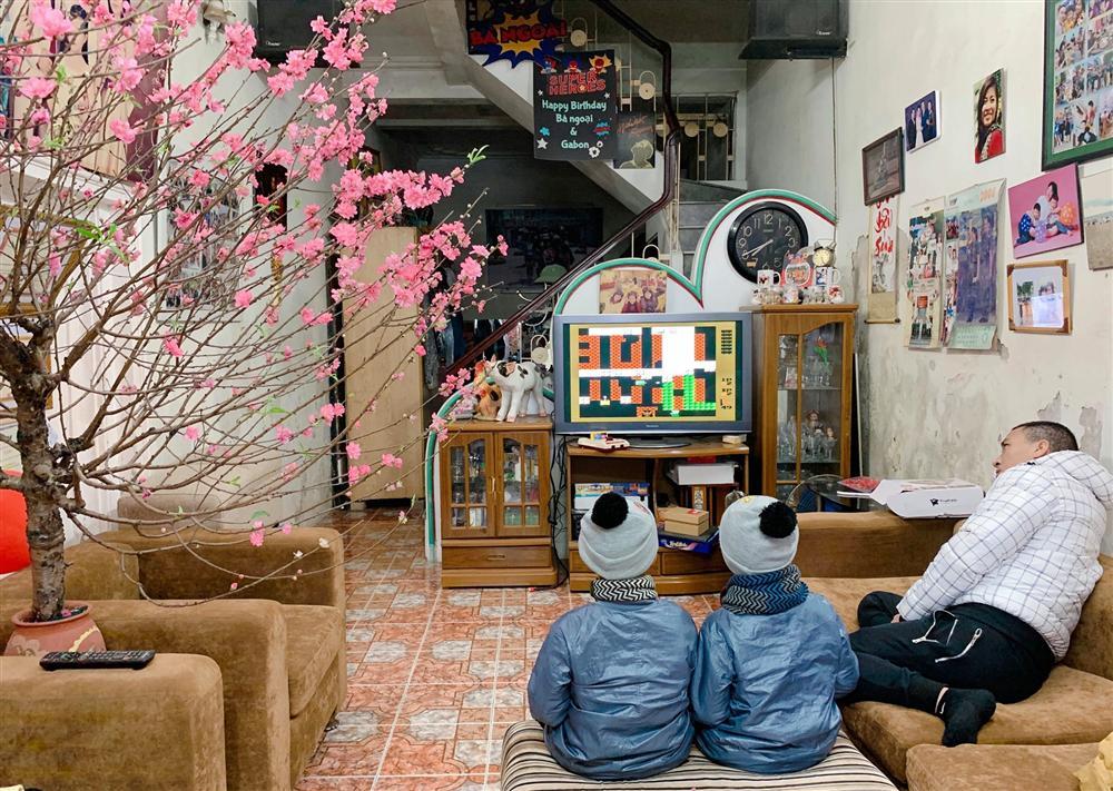 """Phụ huynh thất nghiệp"""", con cái thất học"""", MC Hoàng Linh khoe cảnh gia đình thời corona khiến nhiều người đồng cảm-2"""