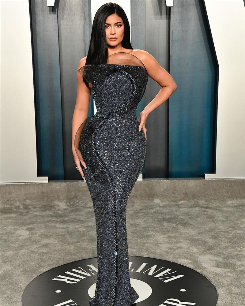 Tiệc hậu Oscar: Các sao lên đồ xuất sắc hơn hẳn sự kiện chính, hot nhất là Kylie Jenner với bộ váy bó đến độ... không ngồi được-1