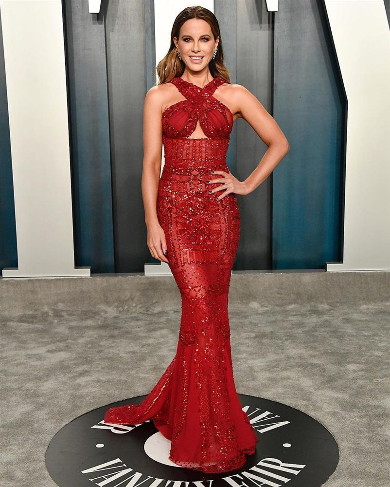 Tiệc hậu Oscar: Các sao lên đồ xuất sắc hơn hẳn sự kiện chính, hot nhất là Kylie Jenner với bộ váy bó đến độ... không ngồi được-16