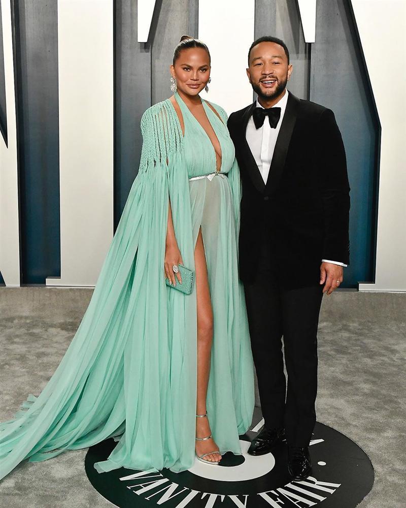 Tiệc hậu Oscar: Các sao lên đồ xuất sắc hơn hẳn sự kiện chính, hot nhất là Kylie Jenner với bộ váy bó đến độ... không ngồi được-18