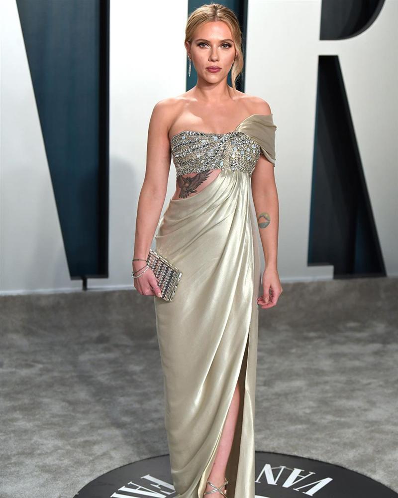 Tiệc hậu Oscar: Các sao lên đồ xuất sắc hơn hẳn sự kiện chính, hot nhất là Kylie Jenner với bộ váy bó đến độ... không ngồi được-5