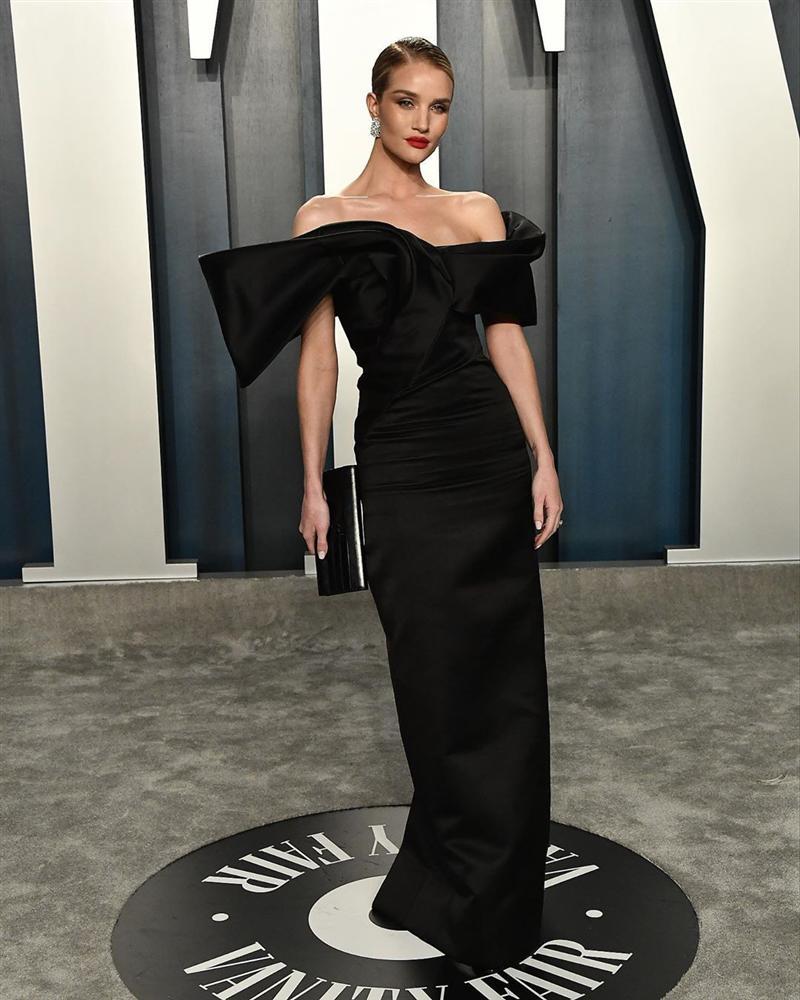 Tiệc hậu Oscar: Các sao lên đồ xuất sắc hơn hẳn sự kiện chính, hot nhất là Kylie Jenner với bộ váy bó đến độ... không ngồi được-6