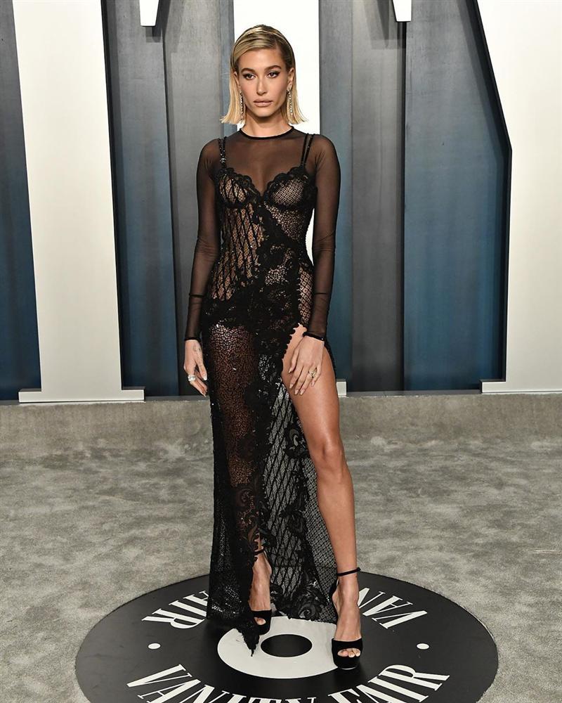 Tiệc hậu Oscar: Các sao lên đồ xuất sắc hơn hẳn sự kiện chính, hot nhất là Kylie Jenner với bộ váy bó đến độ... không ngồi được-8