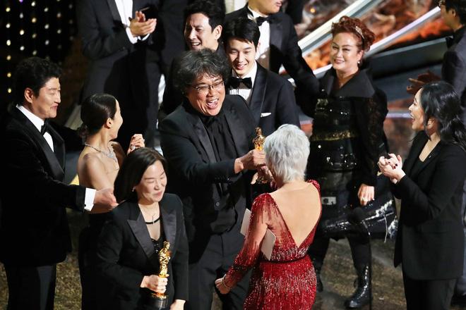 Nữ tỷ phú châu Á nhỏ bé và câu chuyện khiến cả Hollywood nín lặng-5