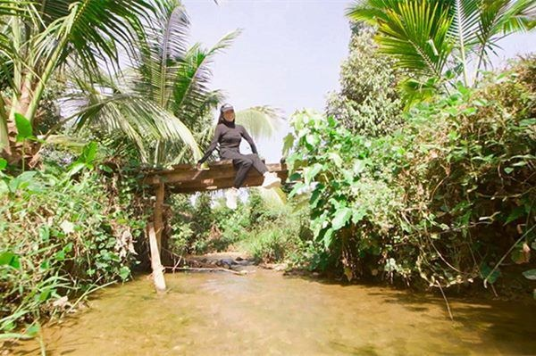 Mỹ nhân chán phố về quê: Lý Nhã Kỳ làm nông trường, Minh Hằng mua đất trồng cây, nuôi cá-7