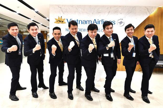 9 giờ không ăn, không uống của phi hành đoàn trên chuyến bay đặc biệt đưa công dân Việt từ Vũ Hán về nước-1