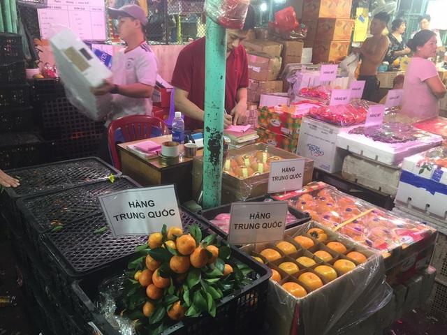Các cửa khẩu tạm đóng sao rau củ quả Trung Quốc vẫn bán đầy chợ?-3