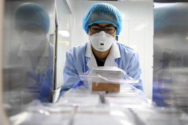 Không tới Trung Quốc, người đàn ông Anh vẫn khiến ít nhất 11 người nhiễm virus corona ở cả Anh, Pháp và Tây Ban Nha-1