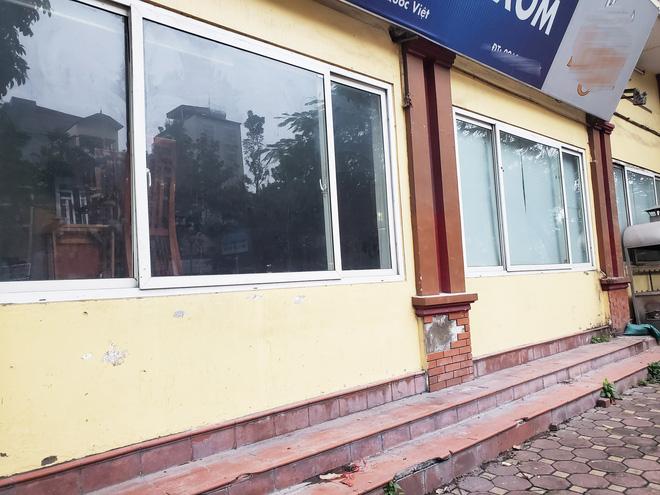 Hàng nhậu nổi tiếng nhất nhì Hà Nội đóng cửa im lìm, bàn ghế phủi bụi vì dịch Corona-5