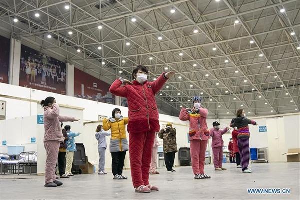 Cuộc sống của các bệnh nhân trong bệnh viện dã chiến tại Vũ Hán-4