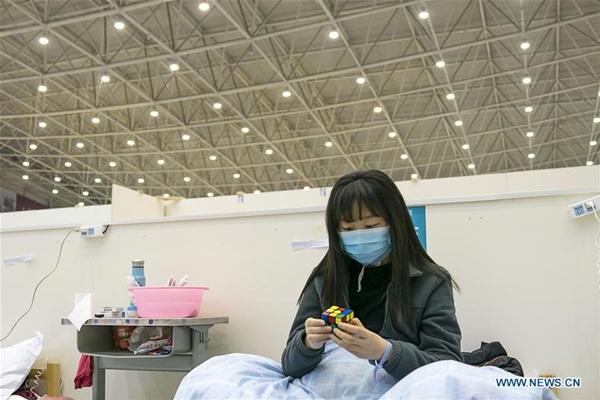 Cuộc sống của các bệnh nhân trong bệnh viện dã chiến tại Vũ Hán-5