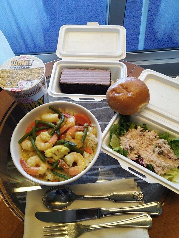 Những bữa ăn trên du thuyền Nhật Bản bị cách ly: Không khác gì nhà hàng hạng sang-6