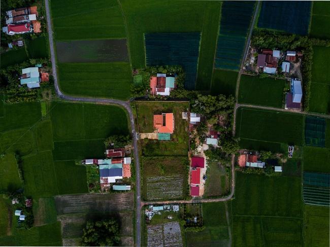 Chán nhà tầng, vợ chồng Việt xây nhà 2.000m2 như nhà địa chủ-5