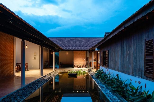 Chán nhà tầng, vợ chồng Việt xây nhà 2.000m2 như nhà địa chủ-6