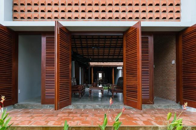 Chán nhà tầng, vợ chồng Việt xây nhà 2.000m2 như nhà địa chủ-7
