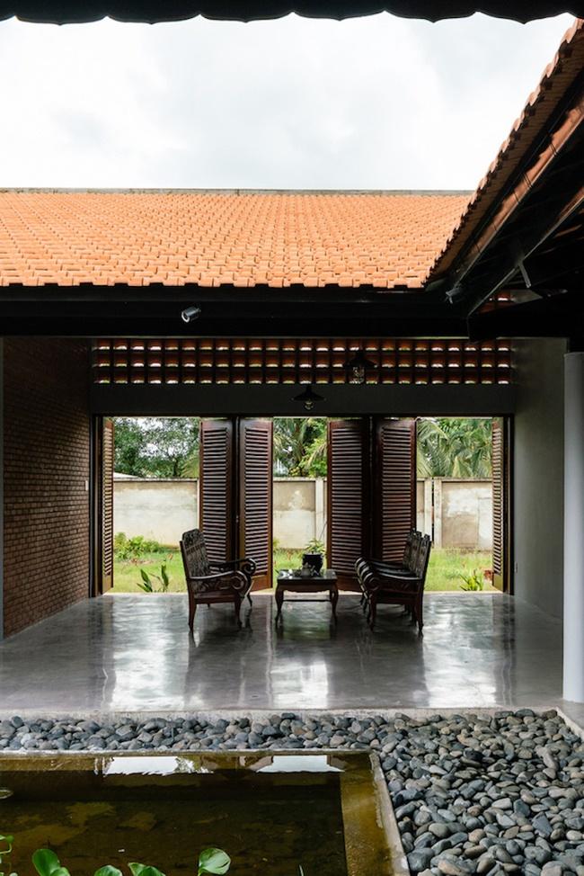 Chán nhà tầng, vợ chồng Việt xây nhà 2.000m2 như nhà địa chủ-10