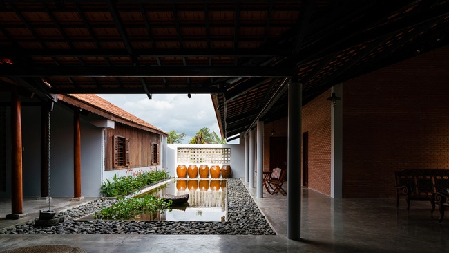 Chán nhà tầng, vợ chồng Việt xây nhà 2.000m2 như nhà địa chủ-17