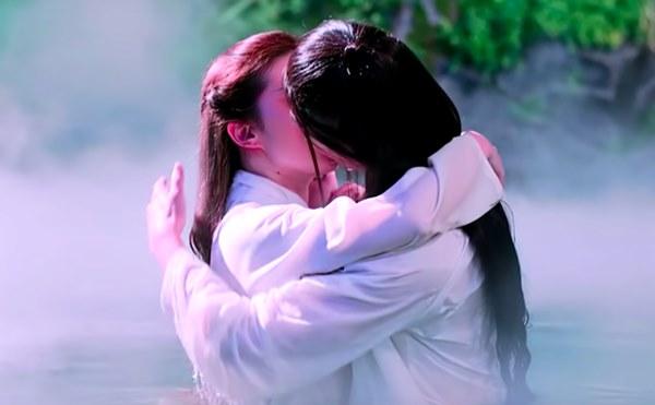 Đây là bộ phim khiến Dương Dương - Lưu Diệc Phi vướng tin đồn kết hôn: Hôn môi ngấu nghiến, có cảnh 18+ gây đỏ mặt-4