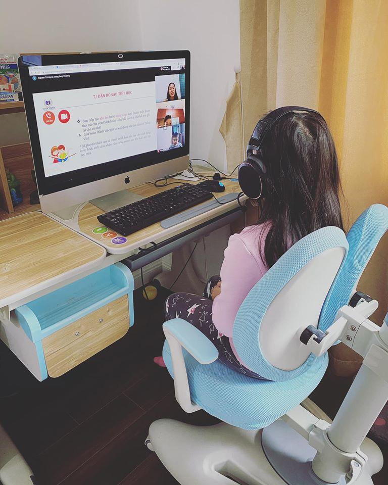 Trăm việc cần làm mà phải cắm cọc phục vụ con học online mùa dịch, Hằng Túi vẫn chốt một câu chắc nịch khiến mẹ nào cũng tán thành-1
