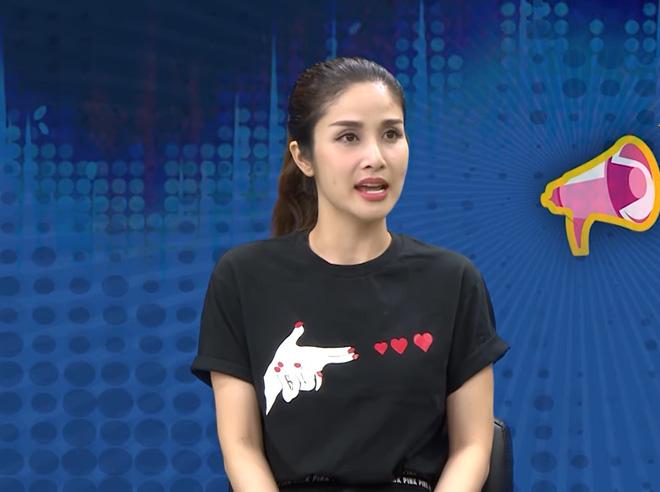 Thảo Trang: 16 tuổi yêu cầu thủ Phan Thanh Bình nhưng quen mấy năm trời mới cho hôn má-1
