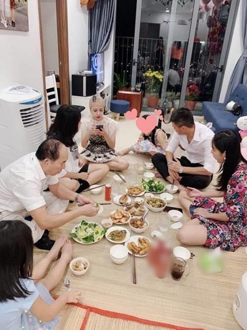 Để con gái ở nhà sang Singapore, em gái Công Vinh tậu nhà tiền tỷ sau 3 năm-2