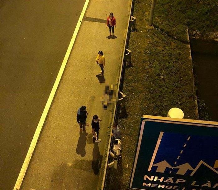 Tìm thân nhân người đàn ông nhảy từ cầu vượt xuống đường cao tốc ở Hải Phòng, thiệt mạng-1