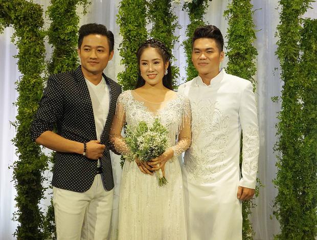 Lê Phương đăng ảnh người yêu cũ 8 năm và chồng thân thiết bên nhau-4