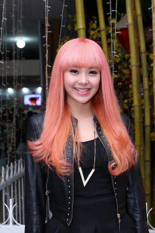 Thuý Ngân lại chơi trội với màu tóc hồng, vượt hẳn Minh Hằng, Hari Won vì quá xinh-10