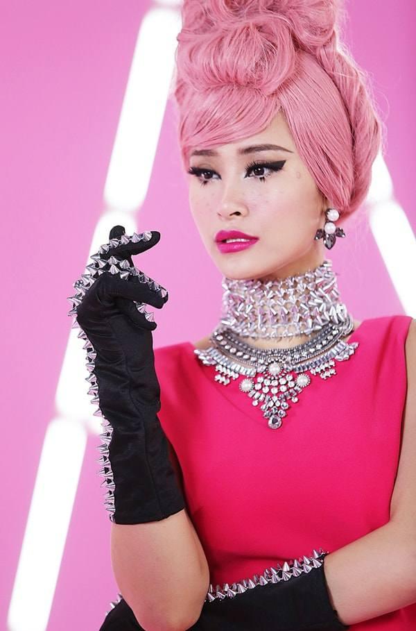 Thuý Ngân lại chơi trội với màu tóc hồng, vượt hẳn Minh Hằng, Hari Won vì quá xinh-11
