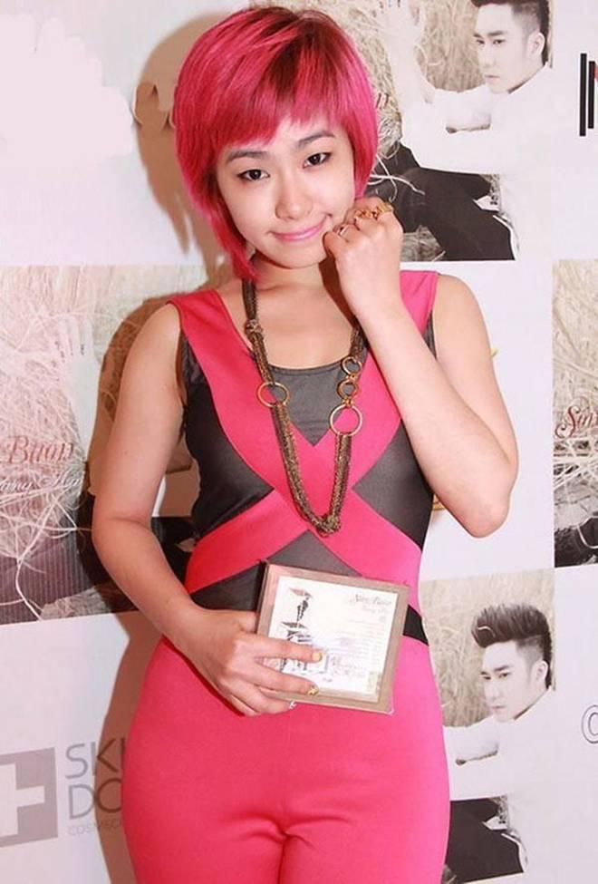 Thuý Ngân lại chơi trội với màu tóc hồng, vượt hẳn Minh Hằng, Hari Won vì quá xinh-12