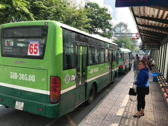Nếu đi học bằng phương tiện công cộng như xe buýt, học sinh, sinh viên cần lưu ý gì để tránh nguy cơ bị lây nhiễm virus 2019-nCoV?-1