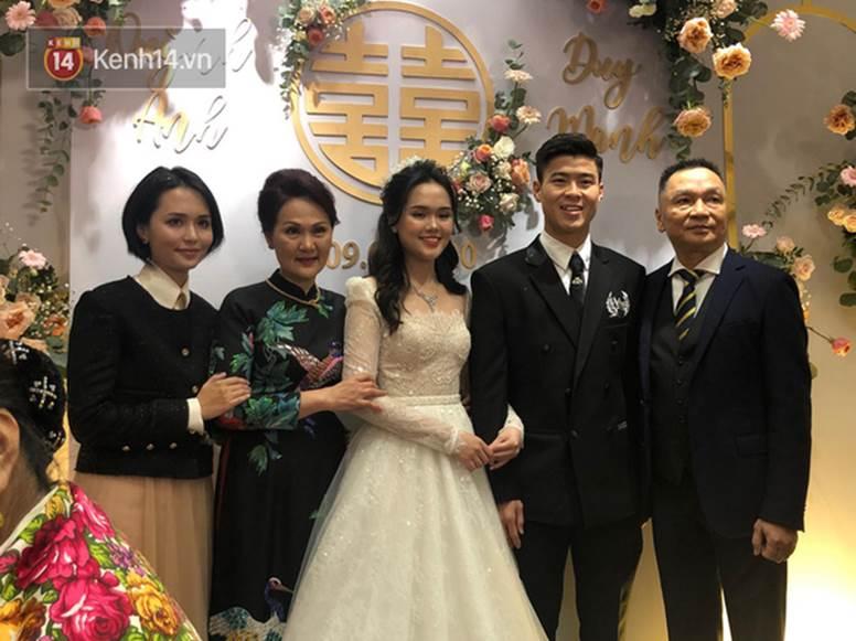 Chị em Huyền My - Quỳnh Anh giờ mới khoe ảnh chụp chung trong đám cưới: Đọ dáng thì ai hơn ai nè?-4