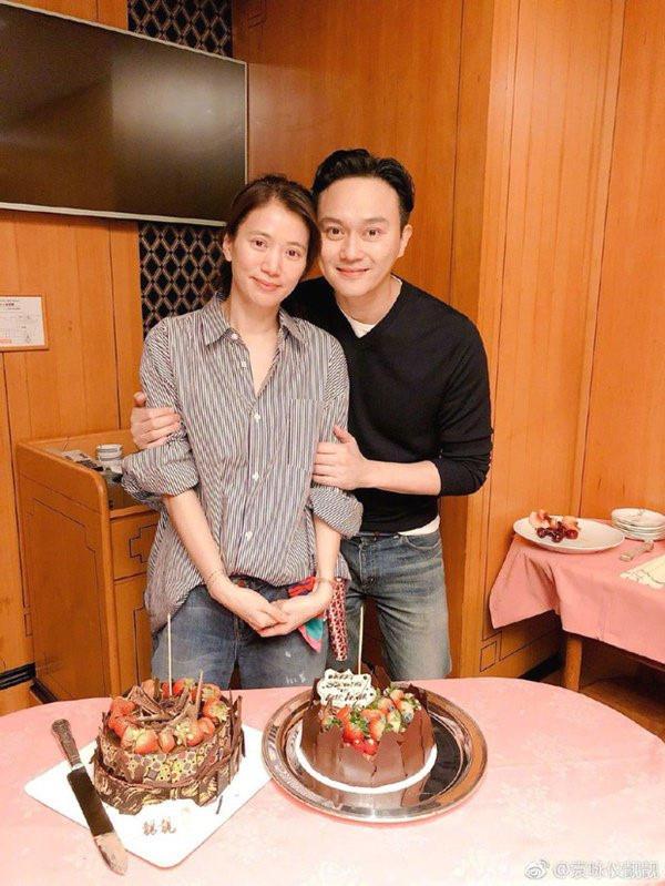 Những cặp vợ chồng Hoa ngữ sống bên nhau gần 2 thập kỷ: Người vẫn tim đập, tay run khi ở bên đối phương, người tuyệt đối không gần nữ giới vì sợ vợ-6