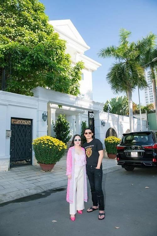 Dọn về ở với đại gia Phượng Chanel, đây là căn nhà nơi Quách Ngọc Ngoan đang sống-1